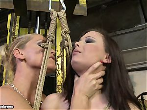Kathia Nobili crop the tongue of sweetheart nymph