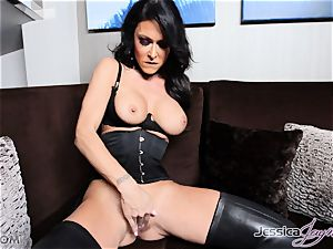 super-fucking-hot brunette honey Jessica Jaymes messing with her beaver