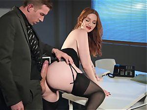 Zara DuRose plumbed in her pinkish pussy
