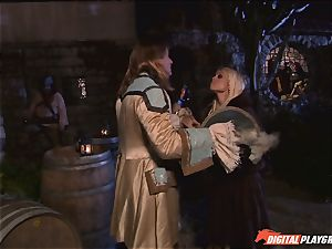 Circle of pirates see nasty lesbos Jenaveve Jolie and Carmen Luvana gobble out minge