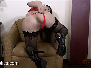 Katrina Jade luvs to grope her jiggly fuckbox