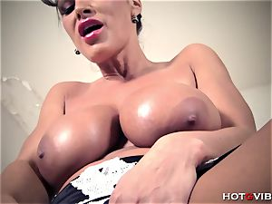 yam-sized, Soapy fun bags milf Lisa Ann