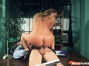 Carter Cruise screwed rock-hard over the table