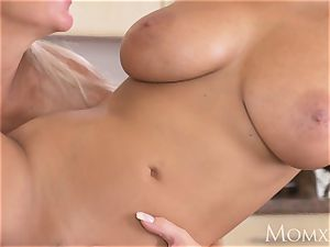 Dane Jones Pretty lesbos lovinТ vulva play
