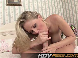 HDVPass cougar Julia Ann