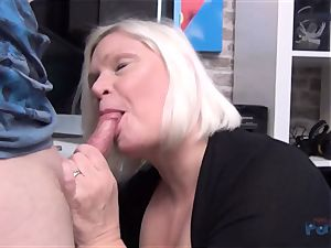 hot cougar Lacey Starr spear gargling