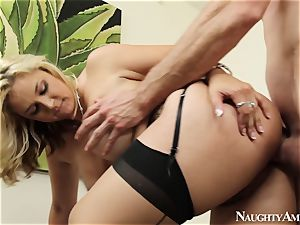 Sarah Vandella And Jordan lingerie hookup