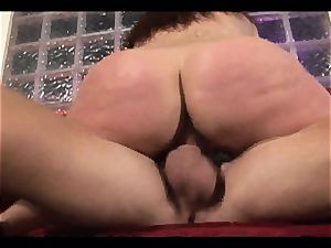 Rampant Gianna Michaels rides her vag on a thick man meat