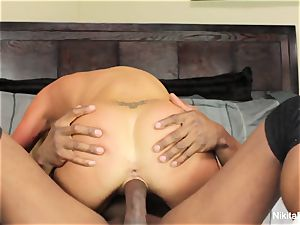 sizzling blond cougar gets a phat ebony weenie to have fun with