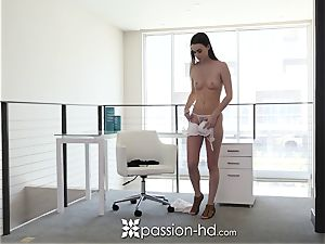 PASSION-HD Welcome home plow and facial with Tali Dova