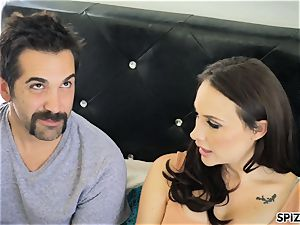Spizoo - see Chanel Preston deepthroating and boinking