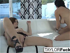 Taylor Vixen romps Jelena Jensen