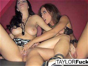 Capri And Taylor sensual pummel
