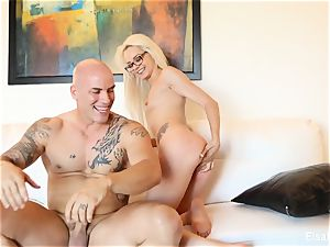 Elsa Jean keeps her glasses on when she gets penetrated