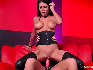 Alison Tyler nails Jessica Jaymes with a strap-on